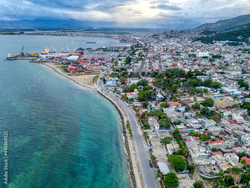 Canvastavla An Aerial View of the Famous Cap-Haitien Boulevard and the Port, located in Cap-
