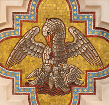 VIENNA, AUSTIRA - JUNI 24, 2021: The Pelican As The Symbol Of Offer Of Jesus On The Sidealtar Of Votivkirche Cathedral From 19. Cent.