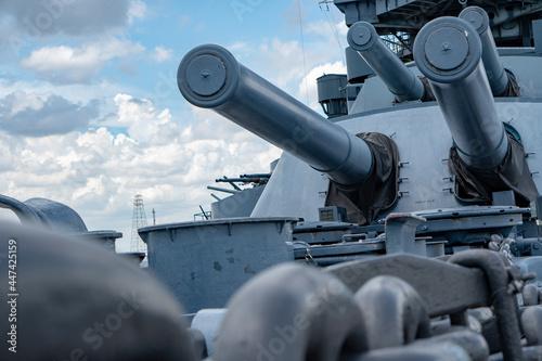 Closeup shot of a new metal battleship guns Fototapete