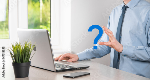 Photo Businessman man hand hold interface question marks sign web