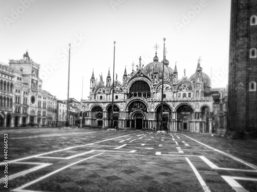 Fotografiet Basilica of Saint Mark and deserted San Marco Square during the crisis COVID-19