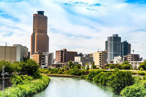 Murais de parede 晴れの日の静岡県浜松市中心部アクトシタワーと馬込川