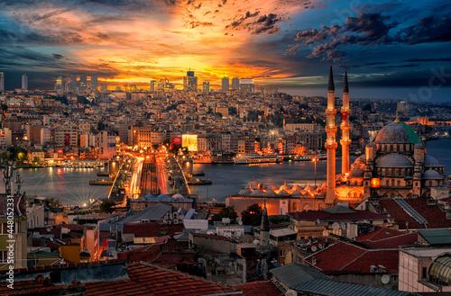 Billede på lærred New Mosque in Istanbul, Turkey, wonderful sunset view