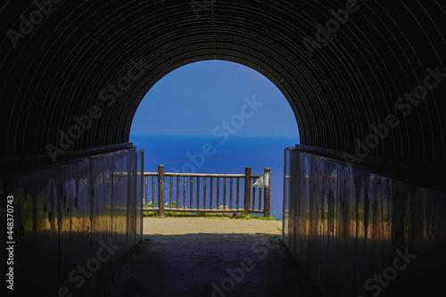 Photo トンネルの先の絶景
