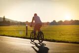 Fototapeta Na sufit - Relaks na rowerze. Amatorski sport