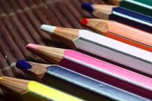 Conjunto De Lapices De Colores De Madera