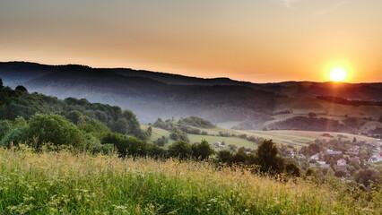 Zachód słońca nad Terką w Bieszczadach