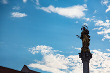 スロベニア マリボルのメインスクエアに建つペスト記念柱
