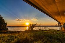 Pôr Do Sol Visto Debaixo Da Ponte JK Em Brasília.