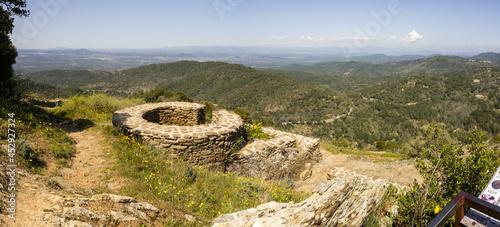 Fotografie, Obraz Ruines du fort Freinet, la citerne collective, La Garde-Freinet, Var, Provence-A