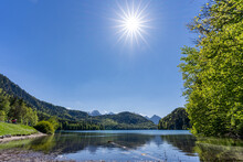 Alpsee Mit Sonnenstrahlen Bei Hohenschwangau