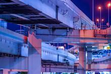 高速道路と横浜の夜景(首都高速道路)