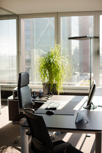 Place For Meeting In Office