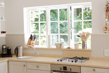 Counter Top In Modern Kitchen