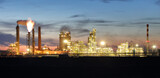 Fototapeta Londyn - Factory at night, Chemical industry