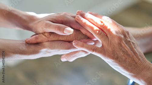 Stampa su Tela Hände halten als Symbol für Beistand und Anteilnahme