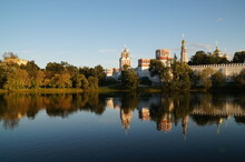 Moscow: Novodevichy Monastery: Sunset