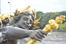 Esculturas En Las Calles De Paris