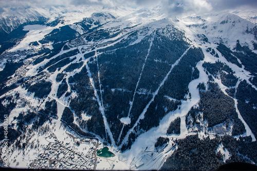 Courchevel en hiver vue du ciel