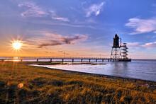 Das Leuchtturm Obereversand In Dorum-Neufeld An Der Wurster Nordseeküste.