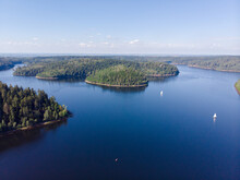 Foret Lac Bateaux Created By Dji Camera