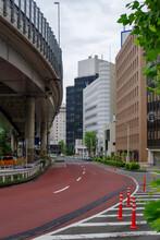 紀伊国坂にさしかかる場所から見附方面を臨む 東京、元赤坂から臨む 赤坂見附や紀尾井町の街並
