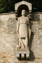 Skulptur Von König Heinrich I. In Merseburg