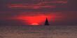 morze, zachód słońca jacht