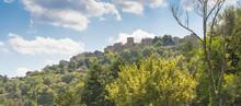 Vue Du Village De Cordes-Sur-Ciel, Un Des Plus Beaux Villages De France, Cité Médiévale Grand Site D'Occitanie.