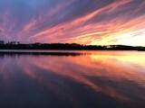 Fototapeta Fototapety do łazienki - Zachód słońca nad jeziorem
