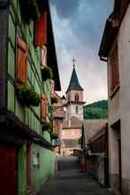 Village Typique Alsacien Avec Maison à Colombage Colorées