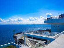 東京湾アクアライン(海ほたる)から見える美しい海と空