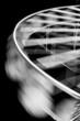 canvas print picture - Close-Up: malerisches Riesenrad von Antibes bei Nacht in Schwarz/Weiss
