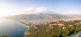 Fototapeta Miasto - widok na nadmorskie miasto z zamku
