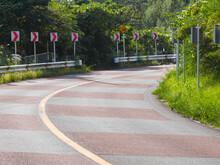山道のカーブを坂の下から (shoot From The Under Of The Mountain Road Curve Slope Japanese Road)