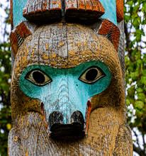 Grizzly Bear Carving On Totem Pole At Lake McDonald Lodge, Glacier National Park, Montana, USA