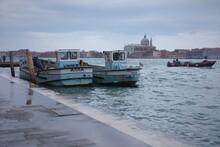 Venetian Memorable Views Of Grand сanal - Windy Promenade With Fishing Boats.