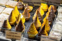 Dulces Conocidos Como Carolinas De Bilbao, En Una Cafetería De La Ciudad