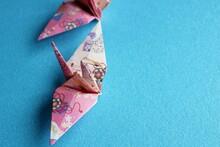 折り紙 千代紙 鳥 ツル 背景