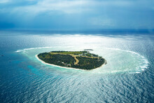 Aerial View Of Lady Elliot Island With Coral Cay, Great Barrier Reef, Australia