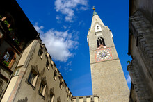 Italy, South Tyrol, Brixen, Grosse Lauben, Weisser Turm