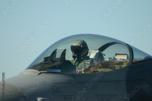 Canvas Print f-16 pilot