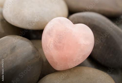 Obraz premium serce kwarcowe różowe