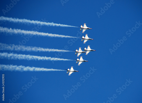 Wallpaper Mural team of fighter jets flying in formation