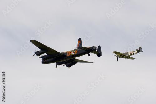 Fotografia lancaster and spitfire