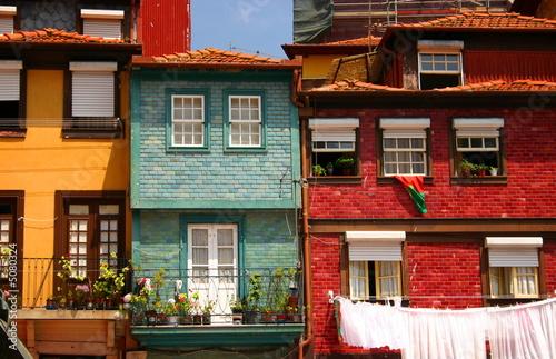 Obraz na plátně Traditional houses - Oporto, Portugal