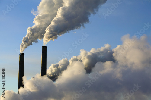steam rise from smokestacks at an electrical generating plant Fototapete