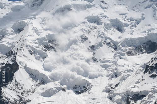 Foto snow avalanche..