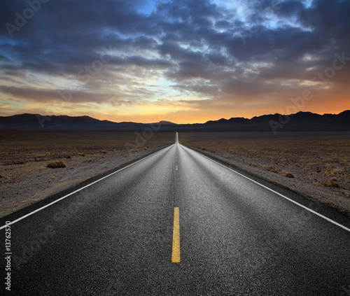 Obraz na plátne Desert Highway