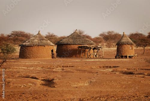 traditionelle Hütten in Burkina Faso #15455372
